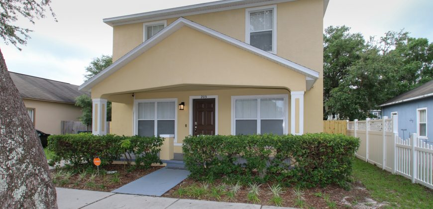 "KMG ""SEMINOLE MANOR"" 4BD 3BA HOME NEAR DOWNTOWN"
